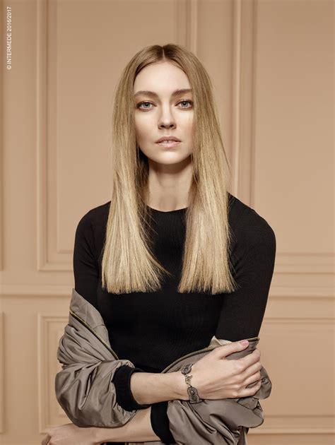taglio capelli lunghi how to vogue it moda sfilate e taglio capelli lunghi lisci biondi moda inverno 2016 2017