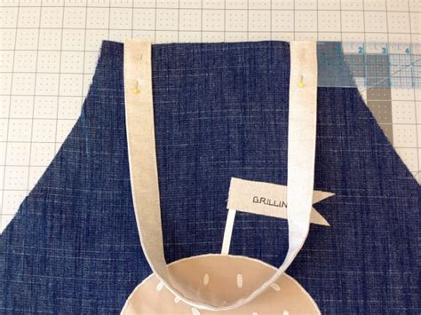 sewing apron straps apron tutorial from art gallery fabrics weallsew