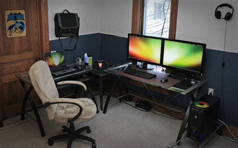 Comfortable Computer Room Ideas at Home: Simple Home