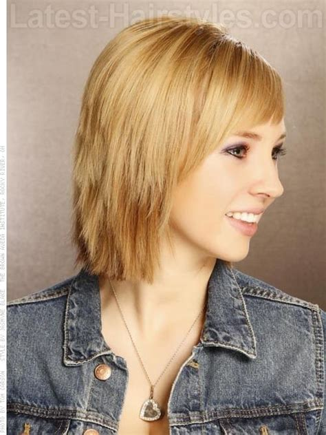 difference between layered and choppy haircuts carefree and casual short bob layered sides debating