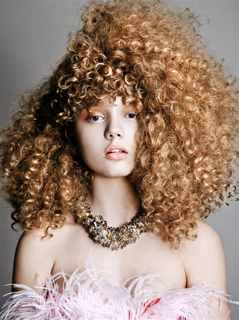 curly hair sarah baumann models curly styles for elle bulgaria by