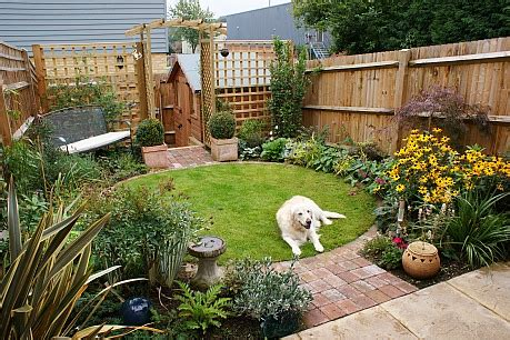 low budget garden ideas to make your garden to be a