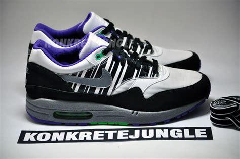 Nike Air 1 And Stripes nike air max 1 white grey black striped