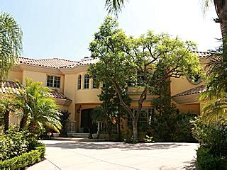 paris hiltons house paris hilton buys 5 9m beverly hills house paris hilton people com