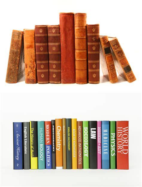 detached a novel books 排列的书籍图片 学习用品 高清图片下载 三联