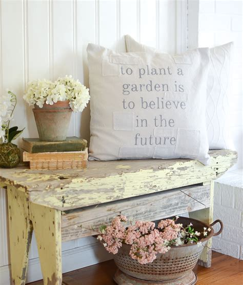 vintage home decor on a budget decorating on a budget why accessories really matter