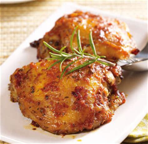 cuisiner haut de cuisse de poulet cuisse et d 233 coupe de cuisse de poulet cuit r 244 ti pilon