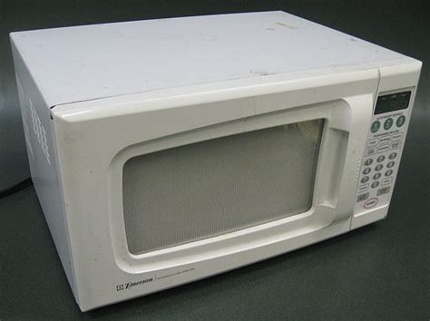 Emerson Countertop Microwave by Emerson Countertop Microwave Oven Mw8109w W Plate