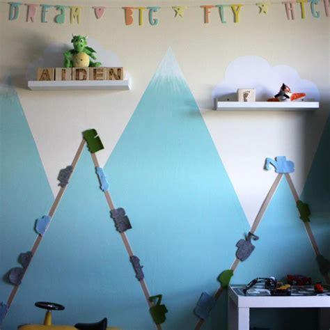 kinderzimmer junge berge farbenfreunde wandschablonen