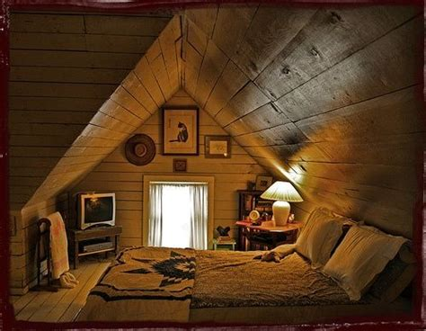 Attic Bedrooms With Slanted Walls by 254 Best Attic Rooms With Sloped Slanted Ceilings Images