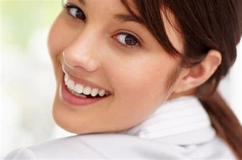 imagenes de bellas sonrisas blanquear tus dientes comiendo