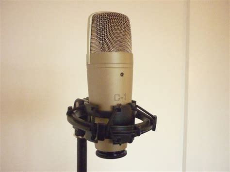Mic Behringer C1 Studio Condensor Original behringer c1 studio condenser microphone review soundreview