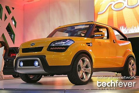 kia maker korean auto maker kia launches the kia sou ster concept at