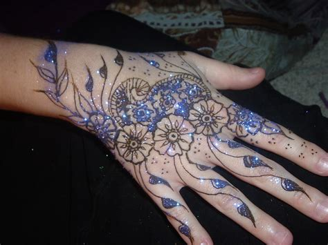 henna design with glitter mehndi 360 how to use glitter in mehndi