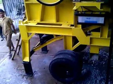 mesin pemecah batu mobile portable crusher sms