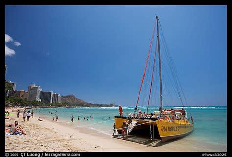 catamaran honolulu picture photo catamaran and waikiki beach waikiki