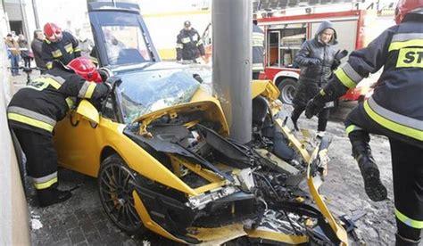 lamborghini car crashes 30 of the worst supercar crashes blazepress
