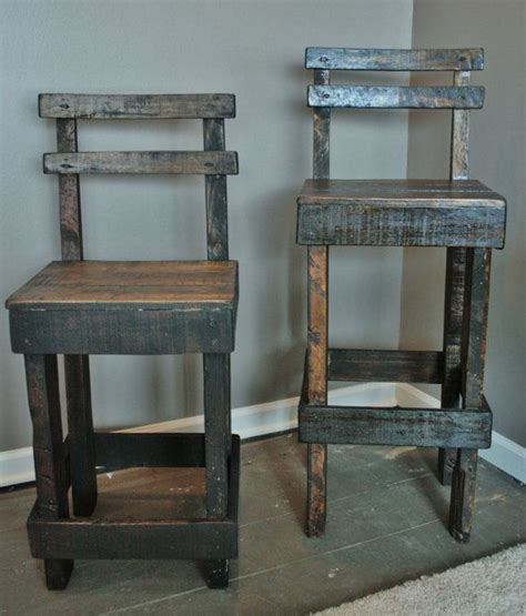bar stool ideas 25 best ideas about pallet bar stools on pinterest