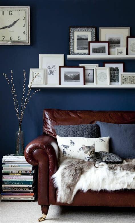 schlafzimmer und büro in einem raum holzbalken in neubau wohnzimmer