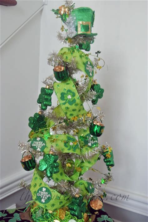 creations pot o gold tree the painted apron
