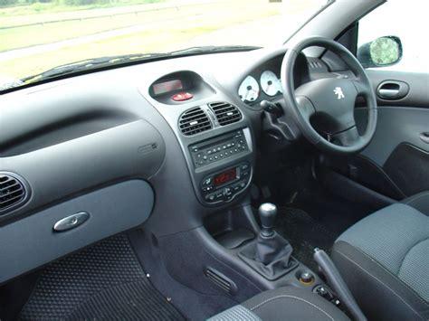 peugeot 206 convertible interior peugeot 206 coup 233 cabriolet review 2001 2007 parkers