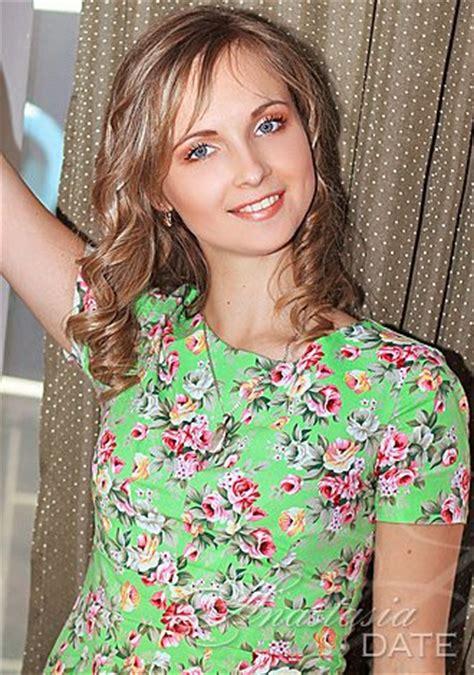 Meet Kazakhstan woman Anna from Almaty, 24 yo, hair color Fair