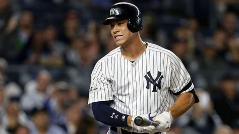 yankees aaron judge unanimously wins al rookie of the