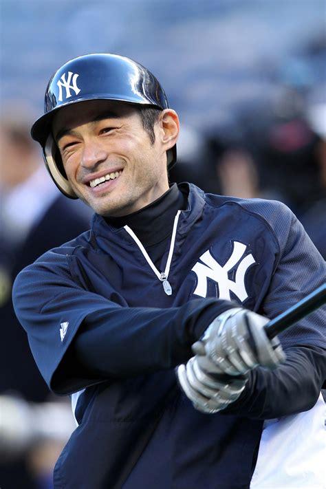 Yankees Ichiro Suzuki by Yankees Re Sign Ichiro Suzuki Mlb Trade Rumors