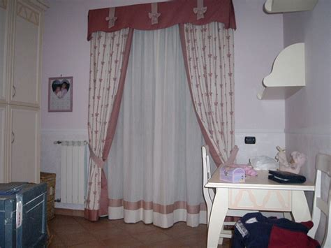 mantovane per tende da interni tappezziere in stoffa e pelle a rifacimento divani