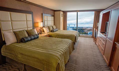 seneca niagara room rooms suites seneca niagara resort casino