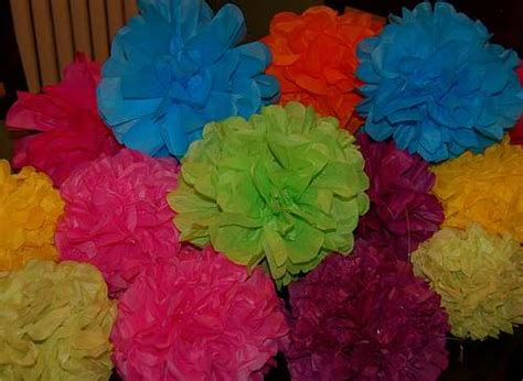 How To Make Mexican Crepe Paper Flowers - diy tutorial of tissue paper flower