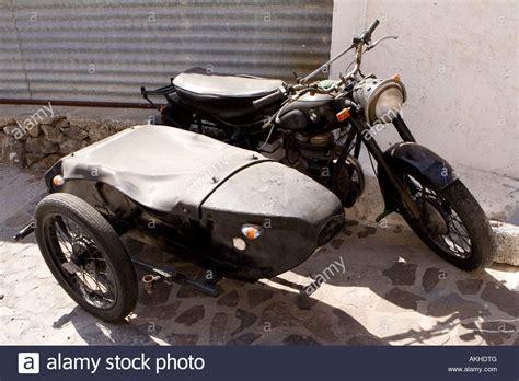 Motorrad Kaufen Griechenland by Eine Alte Bmw Motorrad Und Beiwagen Auf Der Stra 223 E In
