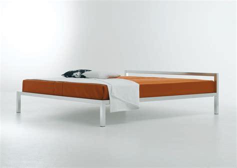 futon kopfteil aluminium bed bed 170 x 210 cm gloss white by mdf