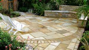 Garden designer specialist in water gardens and construction of
