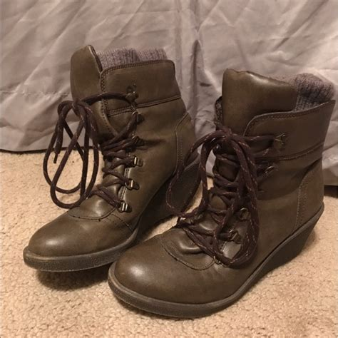 69 unionbay shoes wedge heel lace up boots size 10