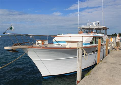 pathfinder boats michigan more live ish from hessel michigan the 38th annual les