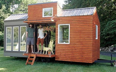 small house on wheels houses on wheels that will make your jaw drop