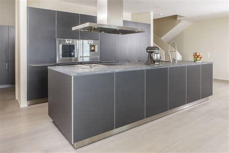 Küchenstudio In Der Nähe by Wohnzimmer Grau Weiss Wandgestaltung