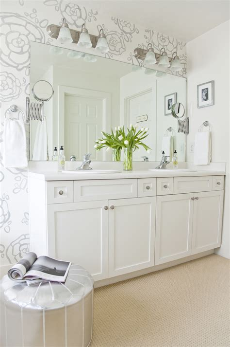 Boxwood clippings 187 blog archive 187 our master bath reveal hand painted wallpaper