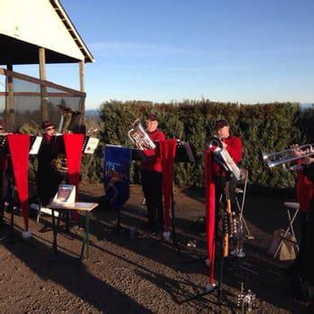 christmas tree farm sherwood oregon sleighbells farm gift shop 39 photos 29 reviews trees 23855 sw 195th pl