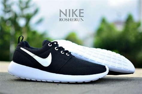 Harga Nike Wedges Ori jual promo sepatu nike rosherun grade ori