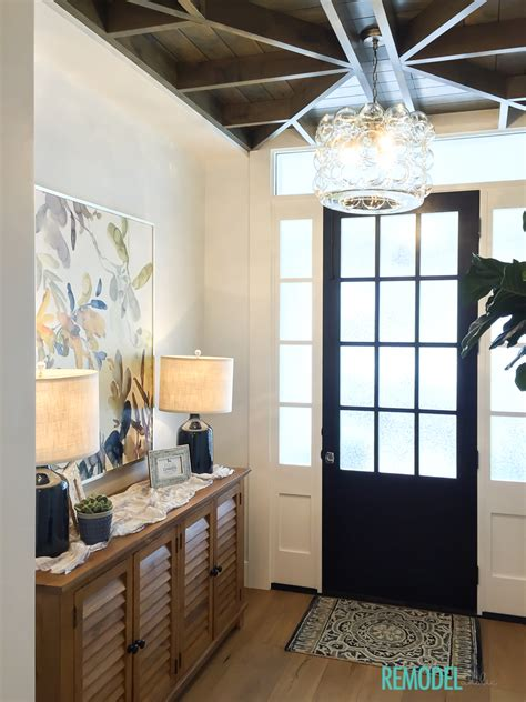 remodelaholic     transitional entryway