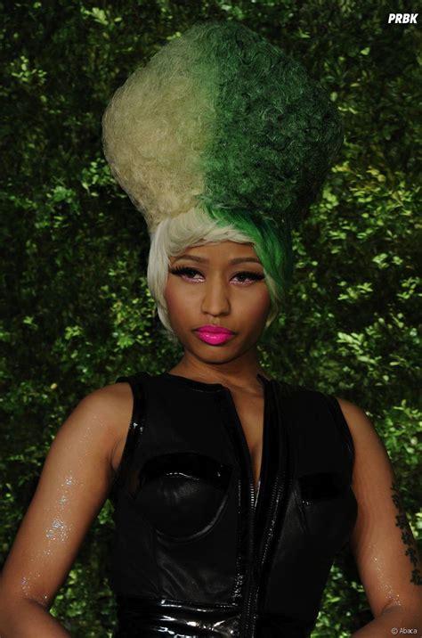 Coupe De Cheveux Et Couleur by Nicki Minaj Une Coupe De Cheveux Et Couleur Excentriques