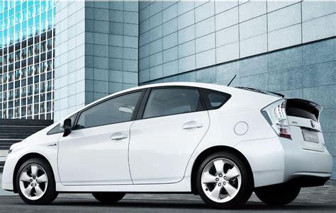 Toyota Hybrid Car Price In India 5 Best Hybrid Cars In India Unlock Mileage