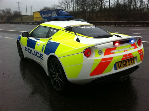 lotus evora tries out in the uk