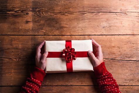 schoene weihnachtsgeschenke fuer maenner finden brigittede