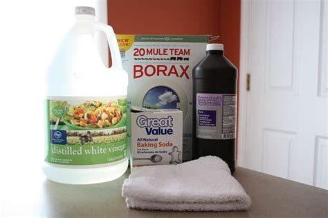 cleaning bathtub with borax 17 best ideas about cleaning shower mold on pinterest