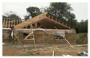 picture of scissor trusses on a straw bale house in pa