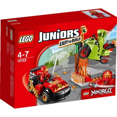 Lego Juniors 10722 Snake Showdown lego juniors ninjago snake showdown 10722 toys zavvi