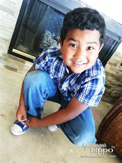 kid tying shoes show your with cards for using hallmark kid